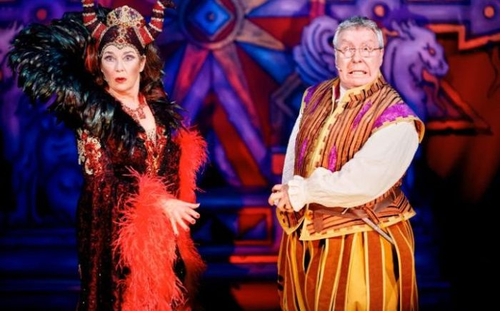 Snow White with Gregor Fisher