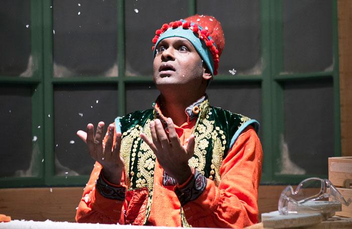 Ali -Ramesh-Meyyappan-2-Ali-the-Magic-Elf-credit-Eoin-Carey